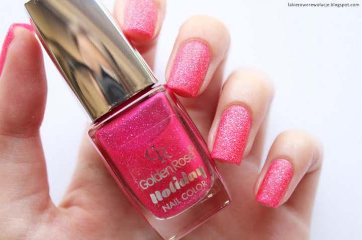 Kolorowy przegląd piaskowych lakierów do paznokci! Morze, plaża i kolorowy manicure?