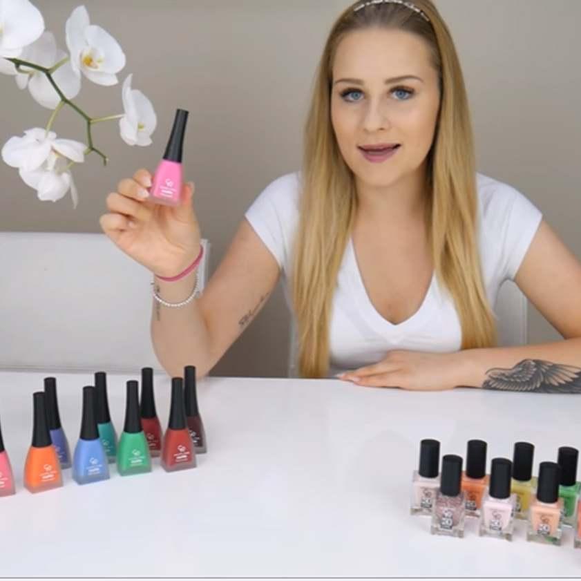 Tafla lodu czy mat? Ciekawe pomysły letniego manicure od Andziaks! Wybór należy do Was!