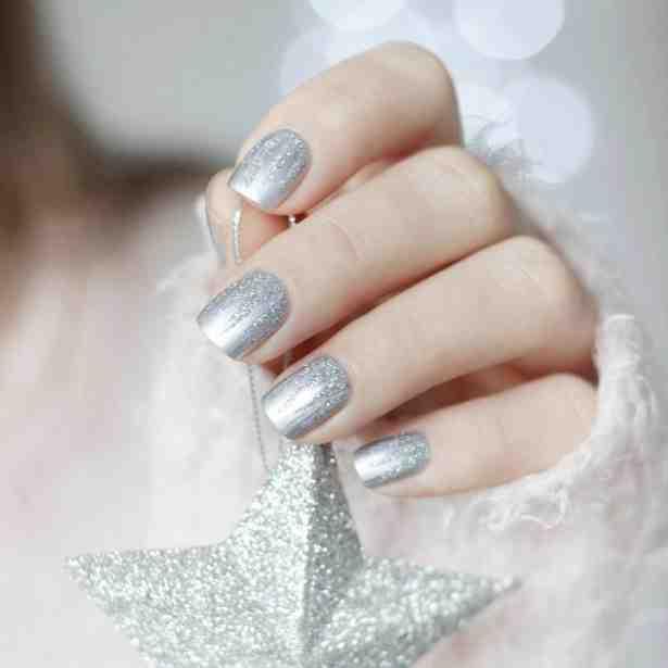 Stwórz wyjątkową zimową stylizację paznokci jak u Królowej Śniegu! Zimowa stylizacja paznokci według Kosmetycznie i nie tylko!