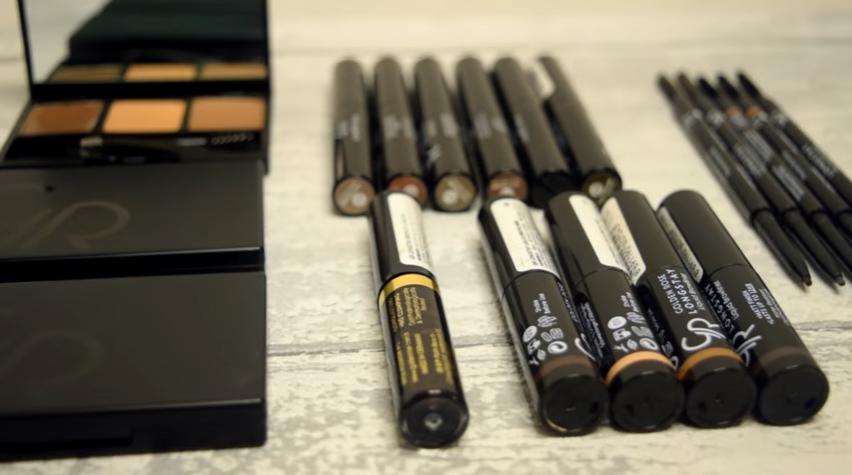 9 różnych sposobów na perfekcyjny wygląd brwi według Iskesib! Makijaż brwi z wykorzystaniem produktów Golden Rose