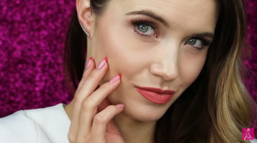 Pink Vixen prezentuje makijaż idealny na pierwszą wiosenną randkę! Romantyczny makijaż Pink Vixen