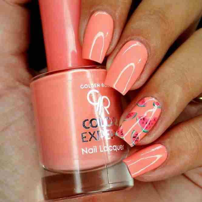 Soczyste paznokcie w letniej odsłonie w wykonaniu Nailsrevolutions! Powiew świeżości z Golden Rose