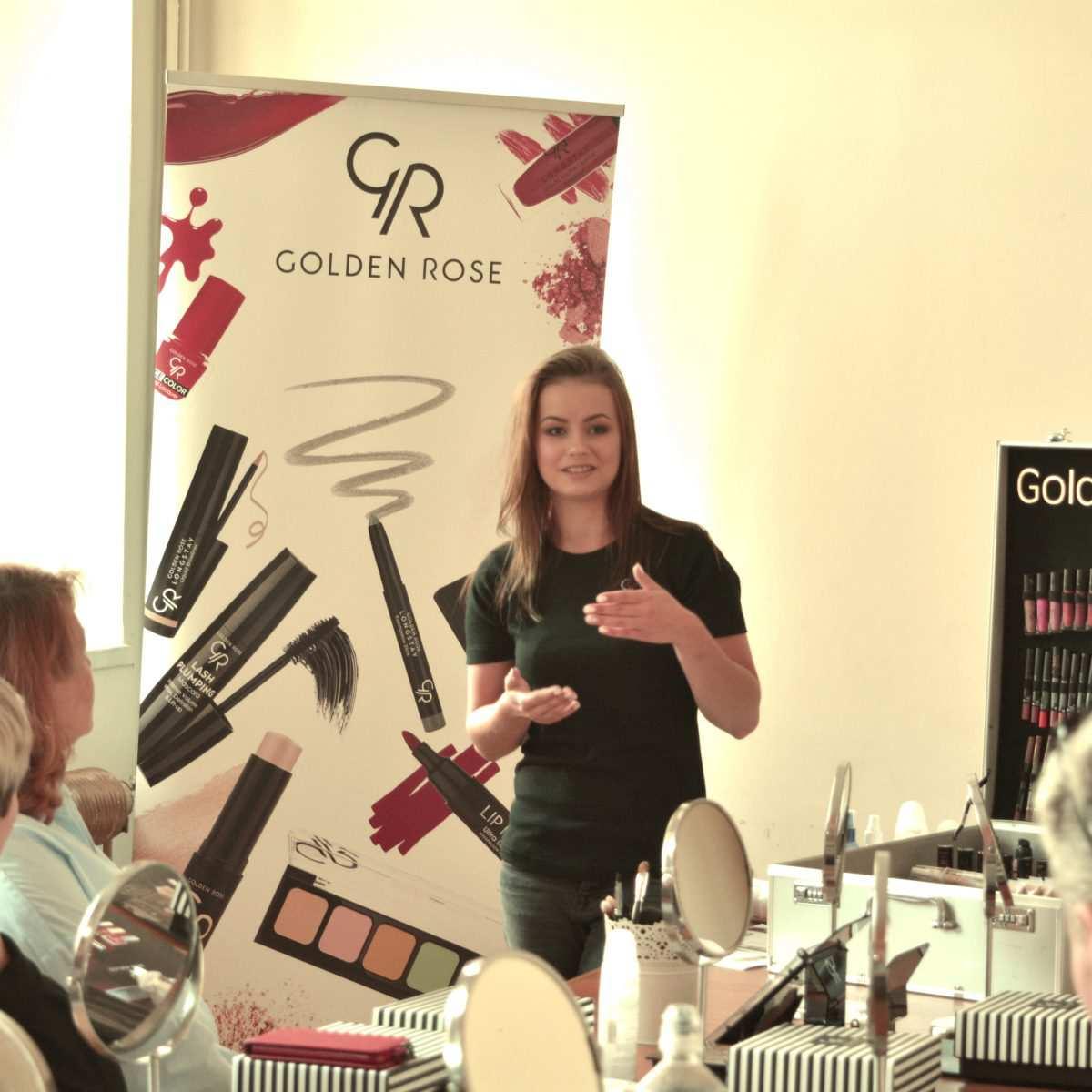 Warsztaty z makijażu – Łódzkie Centrum Praw Kobiet Golden Rose wspiera kobiety.