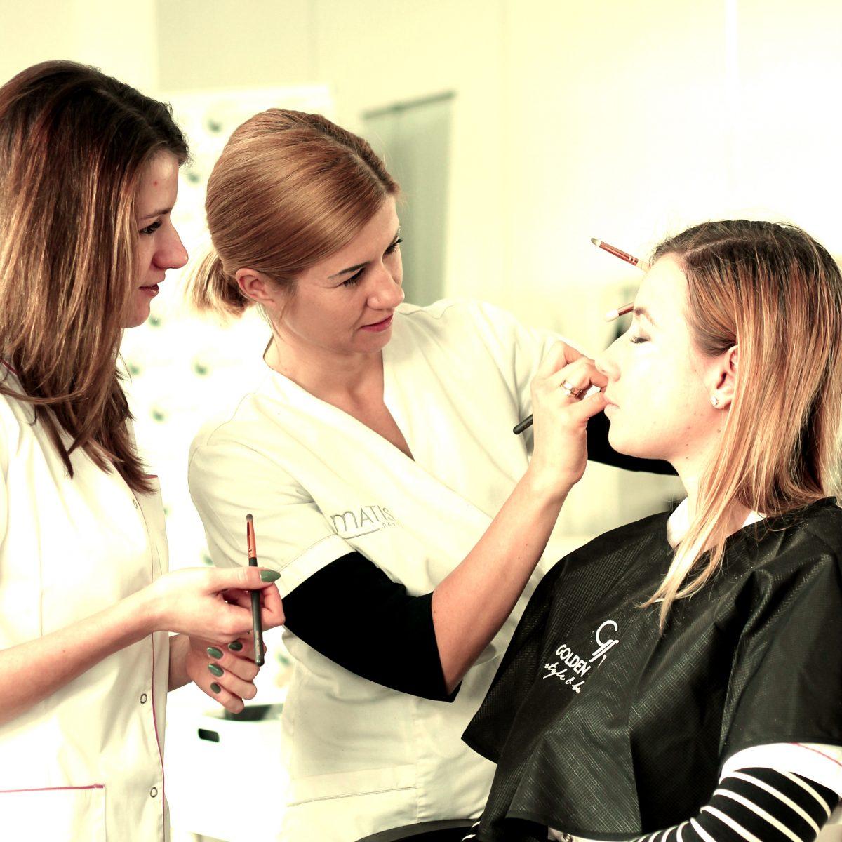 Marka kosmetyczna Golden Rose partnerem szkoły Avangarda w Kaliszu. Doposażyliśmy pracowanię wizażu.