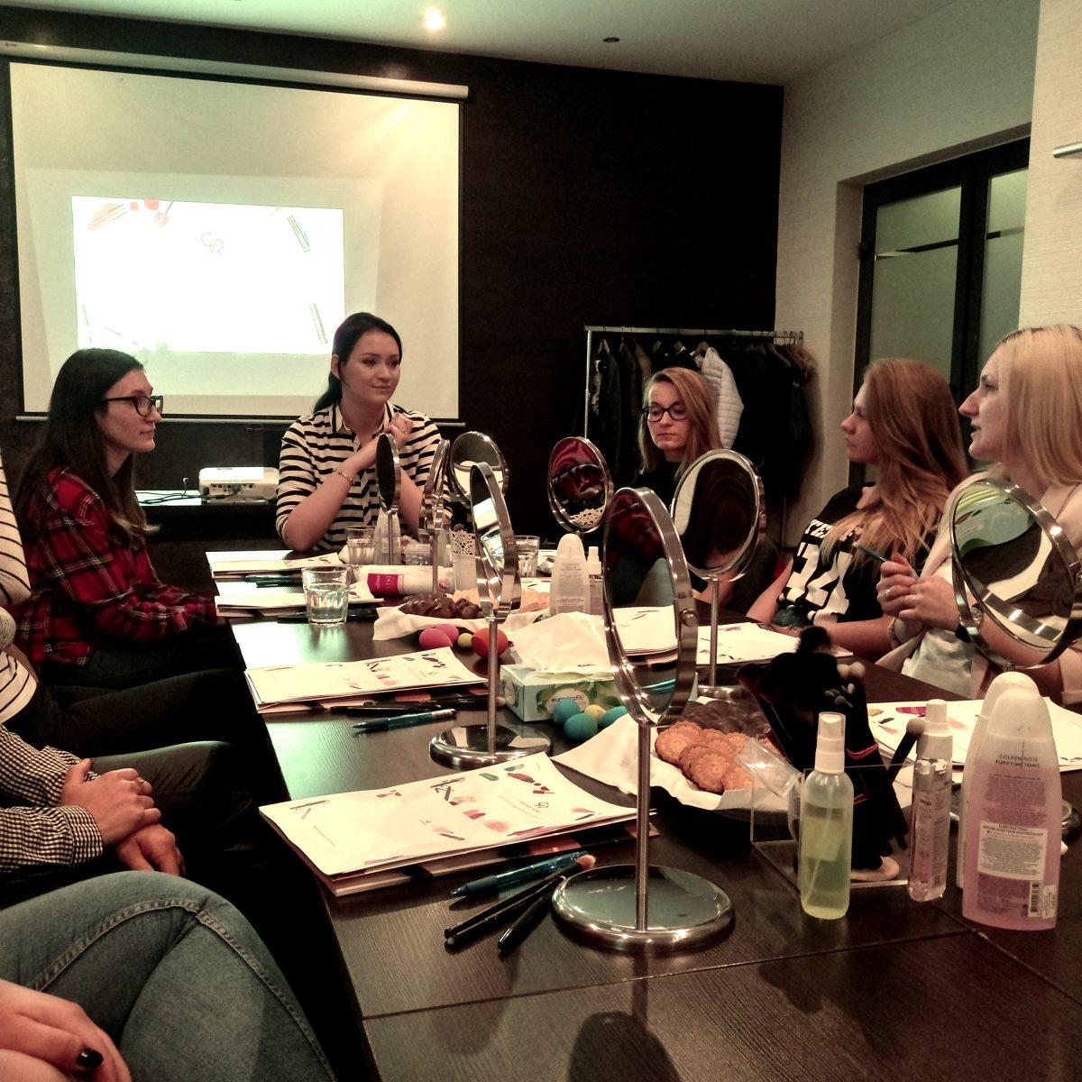 Stawiamy na rozwój – szkolenia dla pracowników naszej marki Szkolenia produktowe marki Golden Rose