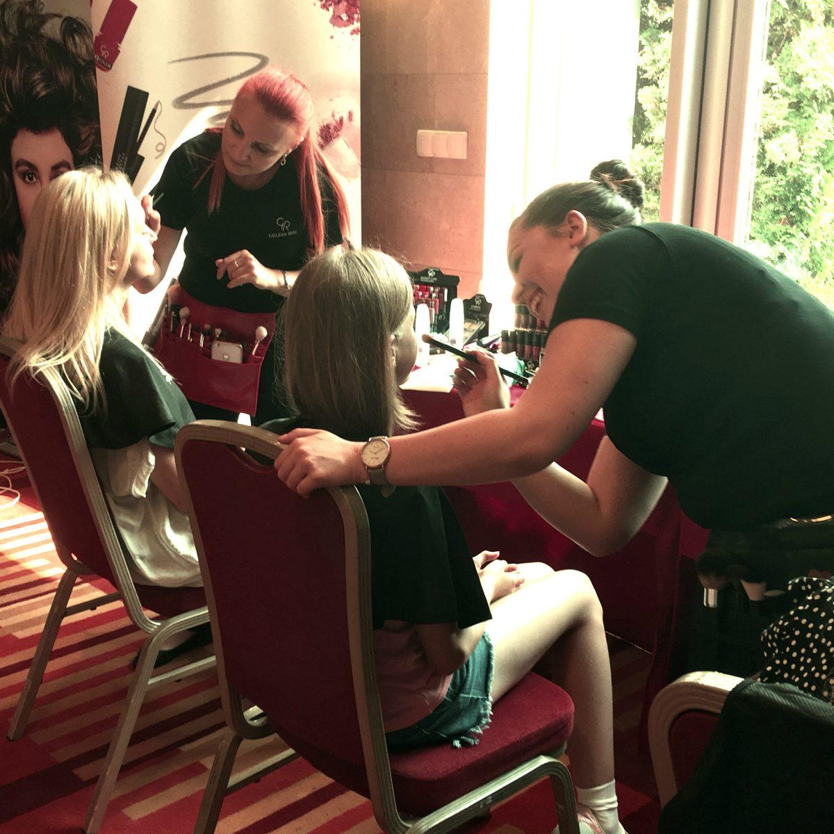 Przygotowywaliśmy makijaże gwiazd podczas pokazu Vivat Mama! Relacja z wydarzenia.