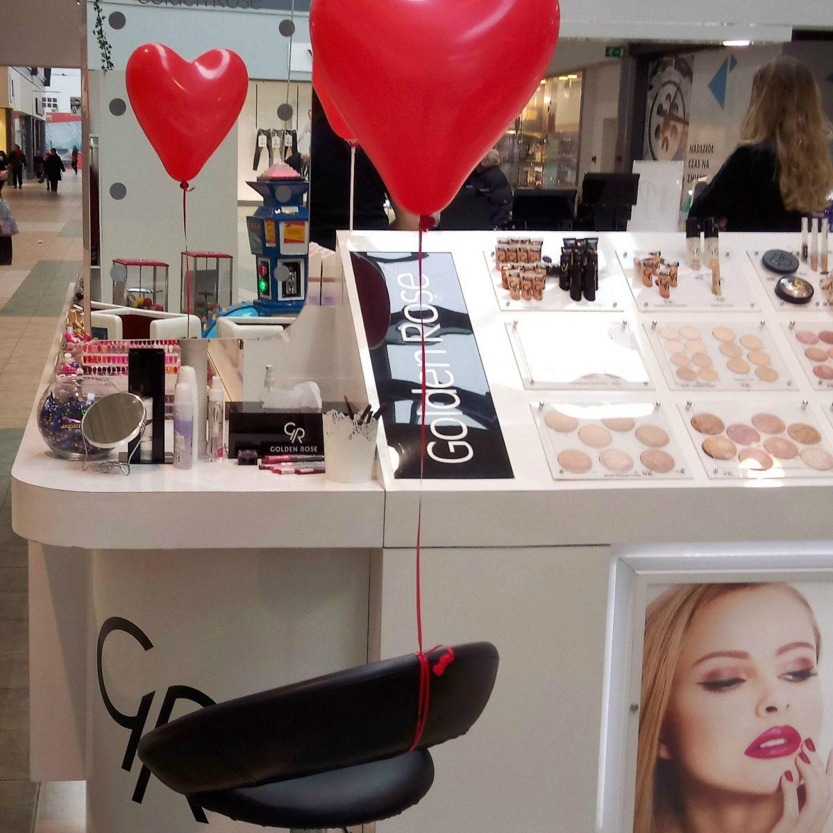 Wyjątkowa akcja z makijażem ust, dobieraniem kolorów i rabatem! Walentynkowe malowanie ust.